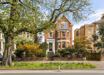 Kew Road, Kew, Richmond TW9. 2 bed property for sale