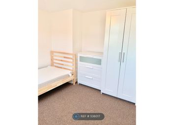 Thumbnail Room to rent in Vicarage Road, Watford