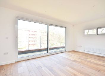 Thumbnail 1 bed flat to rent in Vauxhall Street, Vauxhall