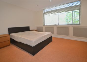 Thumbnail 4 bed flat to rent in Oak Hill Park, London