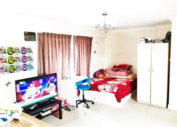 Thumbnail Studio to rent in Dundee Road, London