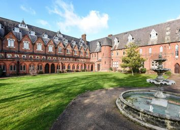 2 bed flat for sale in Windsor, Berkshire SL4
