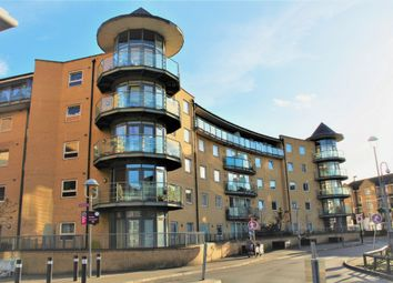 Thumbnail 2 bed flat to rent in Highfield Road, Feltham