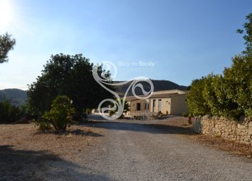 Thumbnail 7 bed farmhouse for sale in Contrada Renna Alta, Noto, Syracuse, Sicily, Italy