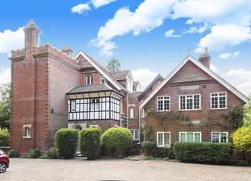 Hatchetts Drive, Haslemere GU27. 2 bed flat for sale