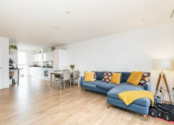 15 Bolinder Way, London E3. 3 bed flat for sale