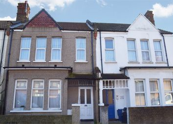 Thumbnail 2 bedroom flat for sale in Beresford Road, Southend-On-Sea, Essex