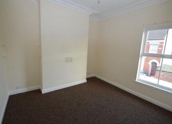 Thumbnail 1 bedroom flat to rent in Halyard Croft, The Marina, Hull