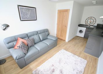 Thumbnail 3 bed flat to rent in Dumbarton Road, London
