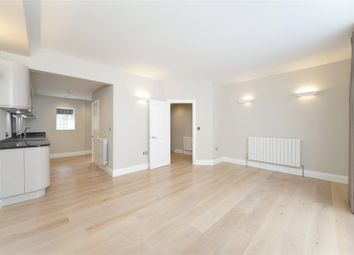 Thumbnail 3 bed flat for sale in Smith Street, Chelsea, London