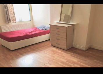 Thumbnail 5 bed shared accommodation to rent in Cherry Orchard Road, Croydon, Surrey