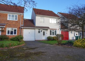 3 bed link-detached house for sale in Lark Vale, Aylesbury HP19