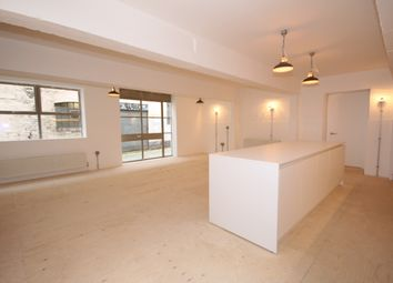 Thumbnail 2 bed flat to rent in Derbyshire Street, London