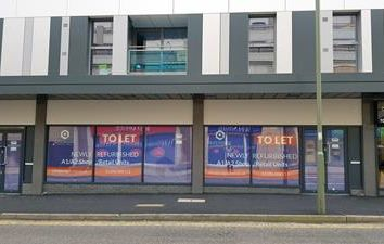 Thumbnail Retail premises to let in 6-8 Queensgate, Cromwell Road, Redhill, Surrey