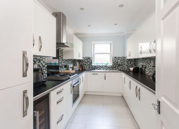 Thumbnail 2 bed flat for sale in Belmont Hill, Lewisham