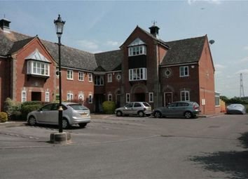Thumbnail 1 bed flat to rent in Yew Lane, Reading