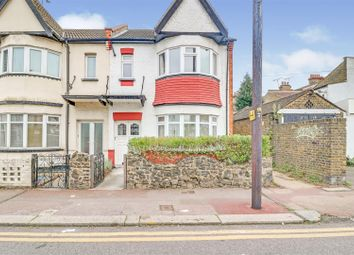 Thumbnail 2 bed flat for sale in Westbourne Grove, Westcliff-On-Sea