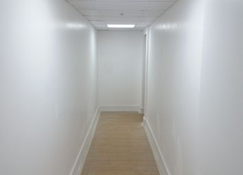 Thumbnail Studio to rent in Roding Lane South, Woodford Green