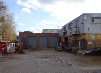 Thumbnail Warehouse to let in Coldharbour Lane, Harpenden