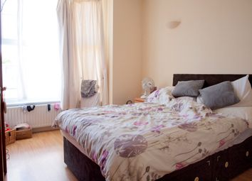 Thumbnail 3 bed flat to rent in The Elms, Tooting Bec Road, London