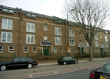 Thumbnail Flat to rent in Verwood Lodge, Isle Of Dogs, London
