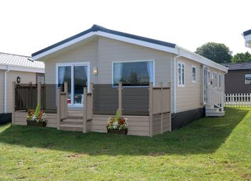 Thumbnail 2 bed mobile/park home for sale in Winchelsea Beach, Nr Rye, East Sussex