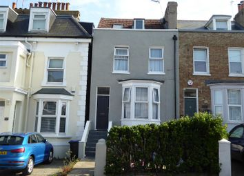 2 bed flat to rent in Vale Road, Ramsgate CT11