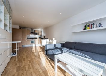 Thumbnail 1 bed flat to rent in Tanner Street, London