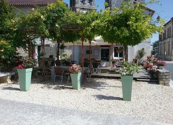 Thumbnail Pub/bar for sale in Gout-Rossignol, Dordogne, France