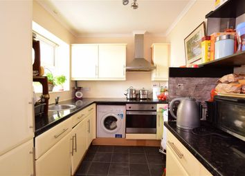 3 bed flat for sale in Kingsway, Hove, East Sussex BN3