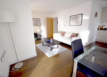 Thumbnail 1 bed flat to rent in Parkers Row, London
