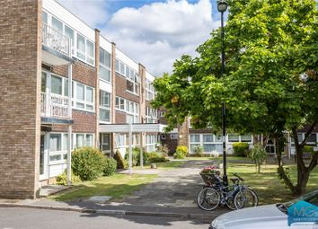 Thumbnail 2 bedroom flat for sale in Foxgrove, Southgate, London