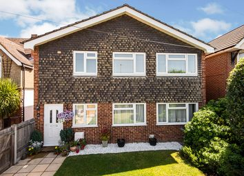 Fullers Way South, Chessington KT9. 3 bed flat