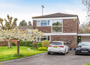 Wellesley Drive, Crowthorne, Berkshire RG45. 3 bed detached house for sale