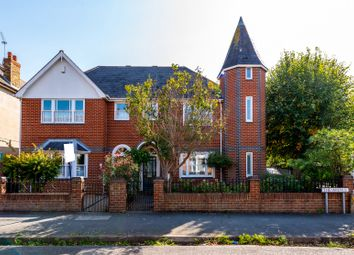 The Avenue, Gravesend DA11. 4 bed semi-detached house