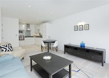 Thumbnail 3 bed flat to rent in Finsbury Park Road, London, Hackney