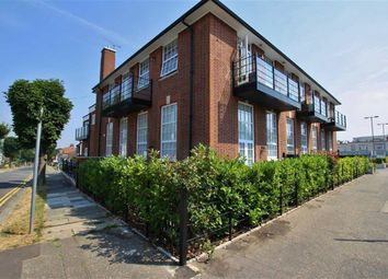 Thumbnail 2 bed flat to rent in London Road, Leigh On Sea, Essex