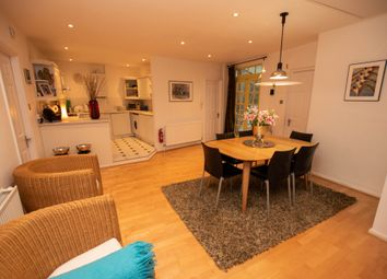 2 bed flat for sale in Friday Street, Henley-On-Thames RG9