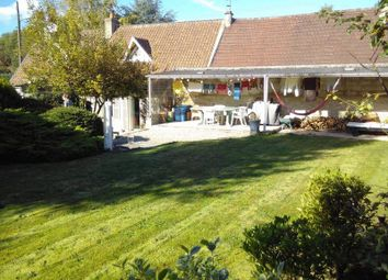 Thumbnail Country house for sale in 60700 Pontpoint, France