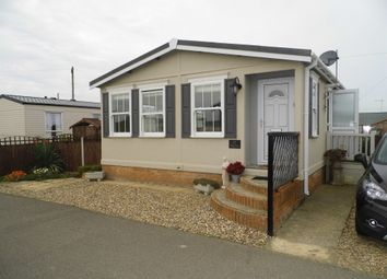 Thumbnail 2 bed mobile/park home for sale in Coast Road, Walcott, Norwich
