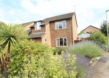 Thumbnail 3 bedroom detached house for sale in Willowside, Woodley, Reading