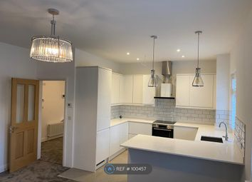 3 bed flat to rent in The Avenue, Bushey WD23