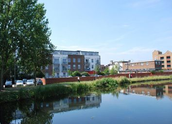 Thumbnail 1 bed flat to rent in Baddow Road, Great Baddow, Chelmsford