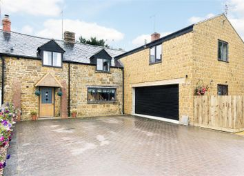 Thumbnail 5 bed cottage for sale in Lower Terrace, Avon Dassett, Southam