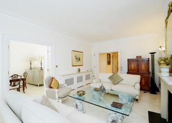 Thumbnail 3 bed flat to rent in Lincoln House, Basil Street, Knightsbridge, London