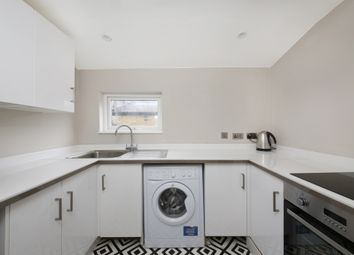 Thumbnail 2 bed flat to rent in Henslowe Road, East Dulwich
