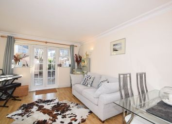 2 bed mews house to rent in Harper Mews, London SW17