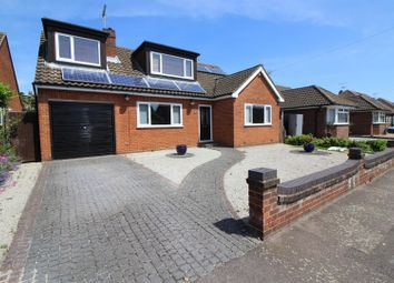 Thumbnail 5 bed detached house for sale in Sandon Road, Cheshunt, Herts
