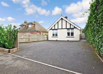 Linton Road, Loose, Maidstone, Kent ME15. 3 bed detached bungalow