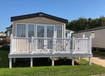 Thumbnail 2 bedroom mobile/park home for sale in Gorse Hill Rockley Park, Napier Road, Poole